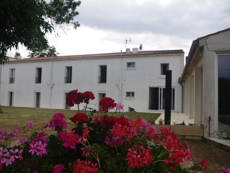 Vente Maison de prestige Poitou-Charentes 525 000 €