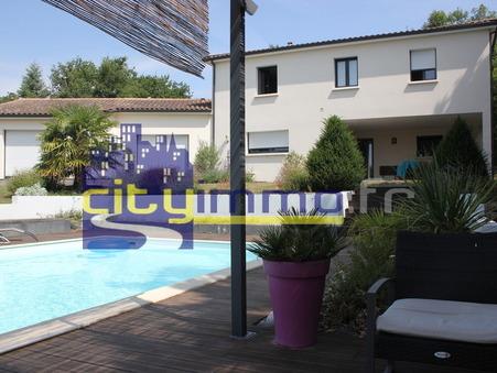 à vendre        Maison de luxe Poitou-Charentes 540 000 €