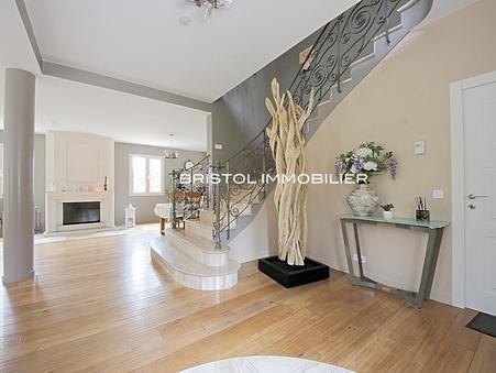 Maison de luxe Senlis 1 570 000 €