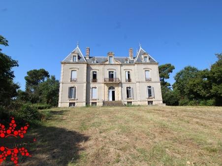 Vente Château de prestige Languedoc-Roussillon 884 000 €