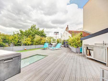 Maison de prestige Suresnes 1 780 000 €