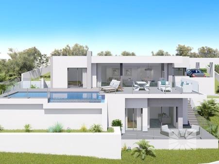 Acheter        Villa  Auvergne 735 000 €
