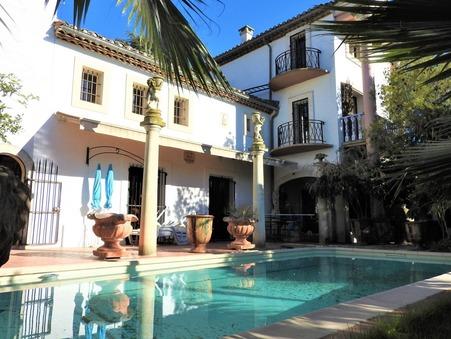 à vendre Château de prestige Provence-Alpes-Côte d'Azur 685 000 €