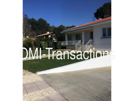à vendre Villa avec jardin et garage  Mérignac 746 750 €