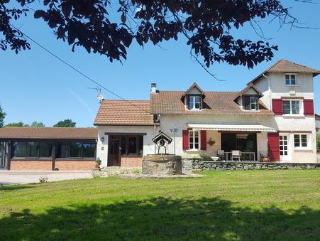 Achat        Villa de prestige Auvergne 759 000 €