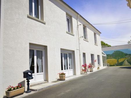 Maison  Poitou-Charentes 696 800 €