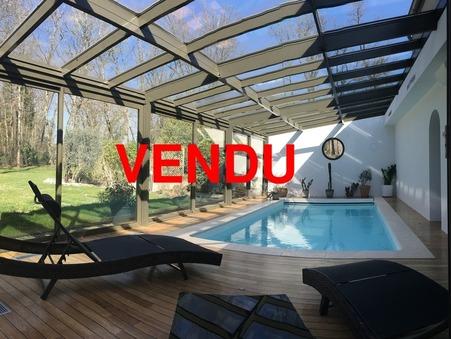 à vendre        Villa haut de gamme Bourgogne 990 000 €